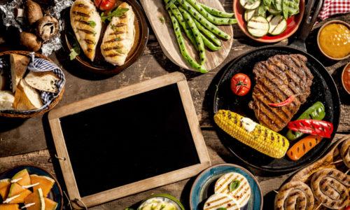 Kylling, scampi og grønnkål med vårgrønnsaker